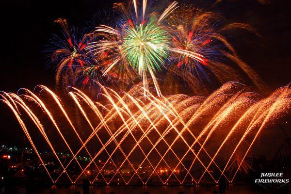 Jubilee Fireworks Montreal L'International Des Feux D'Artifice 2015 1